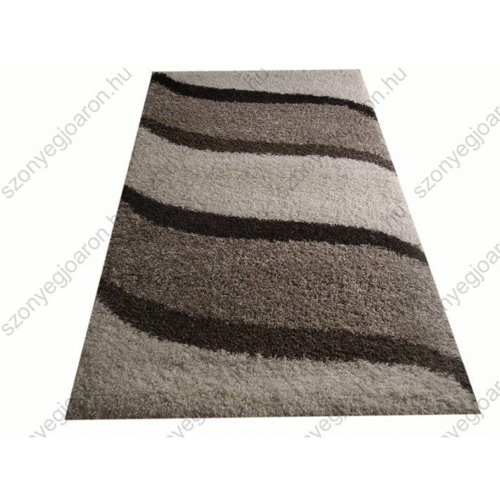 Nagy méretű shaggy szőnyeg a nappalidban-Lakberendezés
