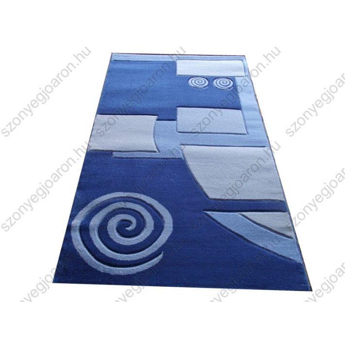 Stílusos megjelenés kék szőnyeg