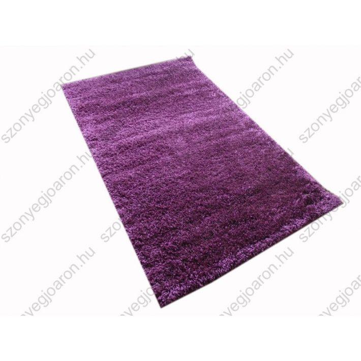 Hogyan idomul a lila shaggy szőnyeg a szobádhoz
